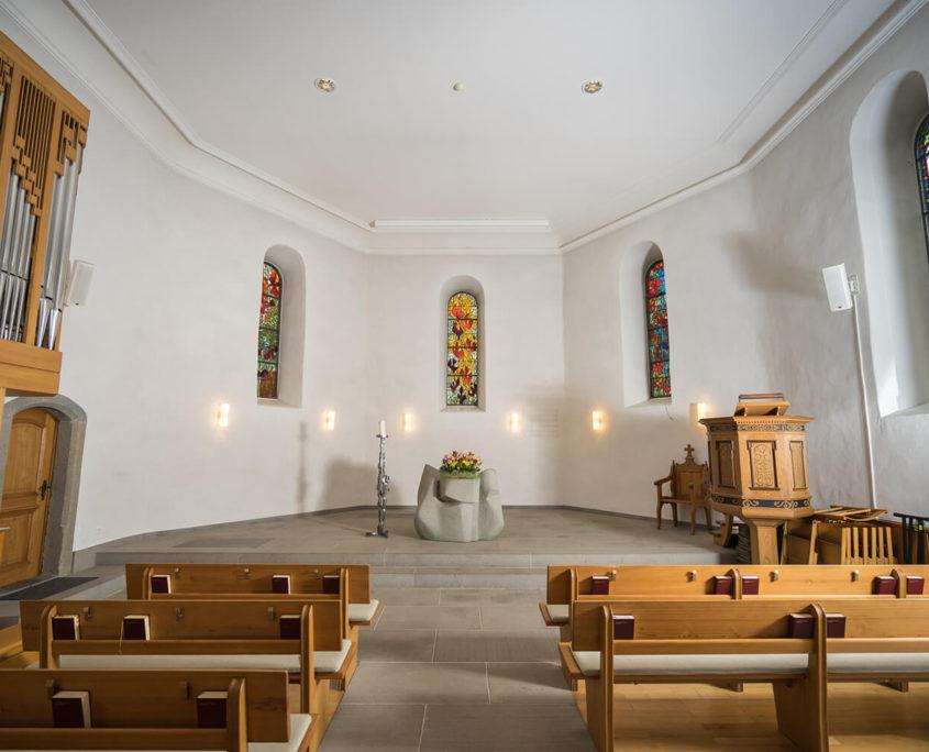 Elektroinstallationen in einer Kirche