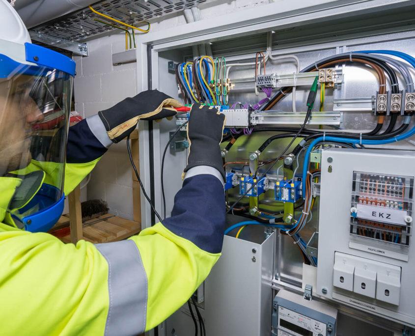 Reparieren von Elektroinstallationen